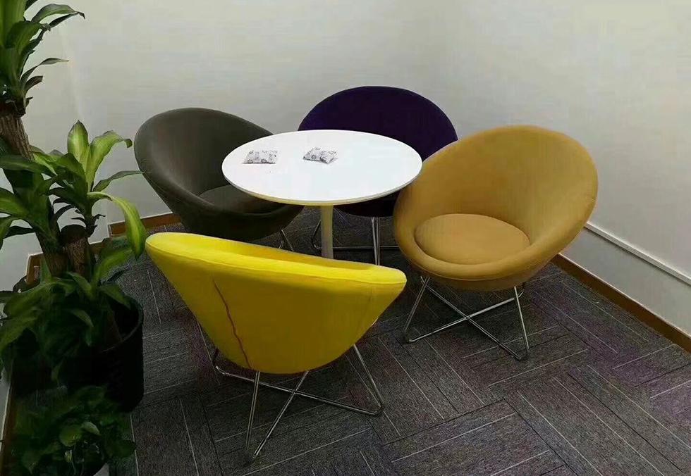 现代酒店休闲圆桌椅